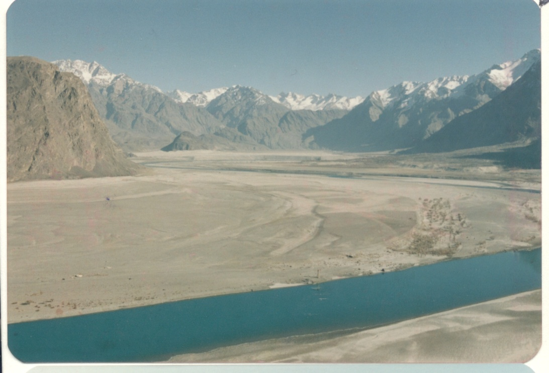 The Indus east of Skardu -Baltistan Dec. 1987 -EF
